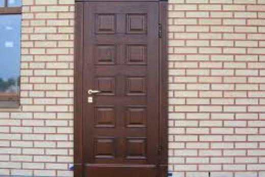 Дверь для дачного дома