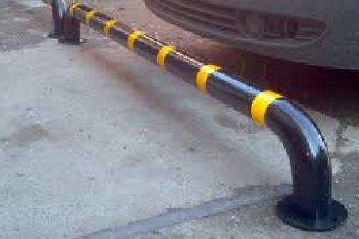 Использование резиновых колесоотбойников для парковки