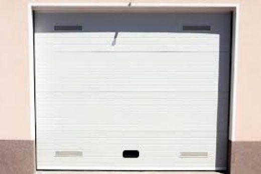 Преимущества и недостатки автоматических гаражных ворот
