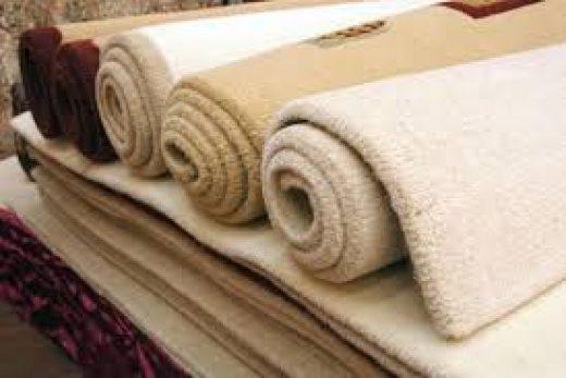 Несколько эффектных ковров и ламинатное покрытие станет теплым и бесшумным, а интерьер – выразительным и стильным
